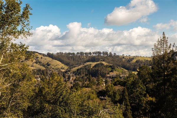 376 Redwood Road