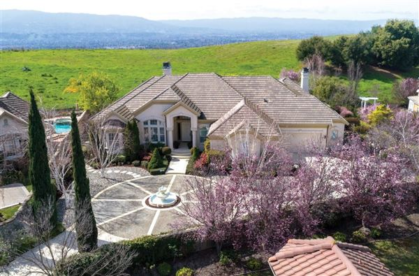 5581 Country Club Parkway