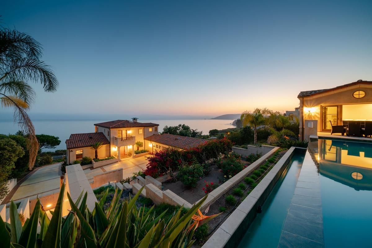 Captivating STUNNING OCEANFRONT ESTATE | California Luxury Homes | Mansions For Sale |  Luxury Portfolio