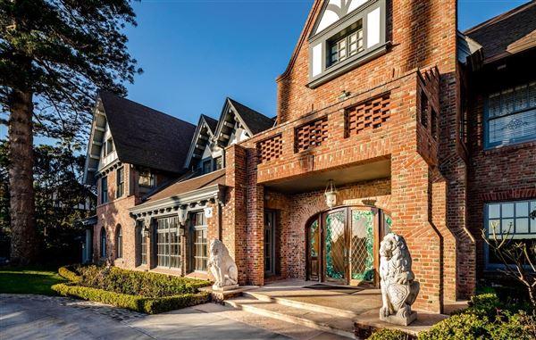 Top Luxury Condo In La Sierra Available For Seasonal Rental