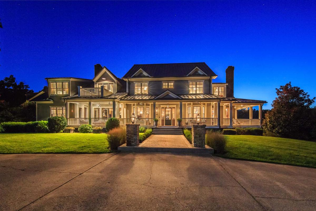 Tennessee luxury homes and tennessee luxury real estate for Luxury house