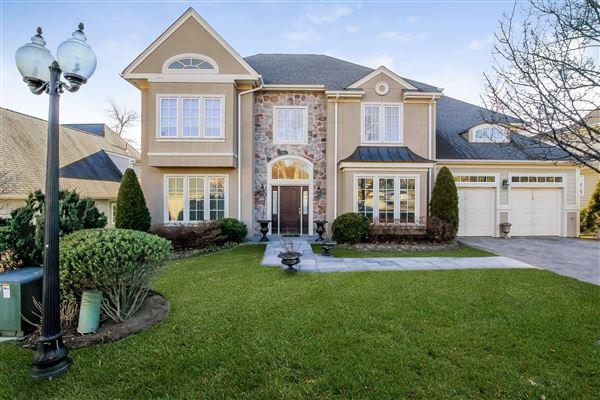 Kensington Woods New Rochelle Homes For Sale