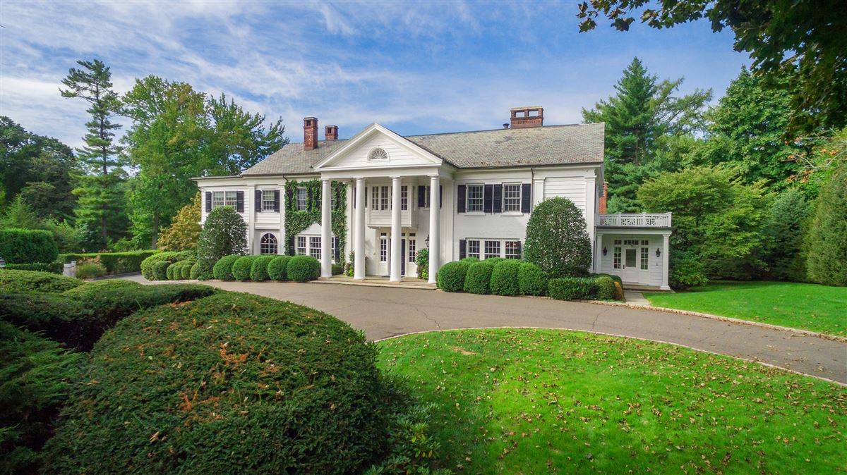 Georgian Colonial Mansion completely modernized georgian colonial | connecticut luxury homes