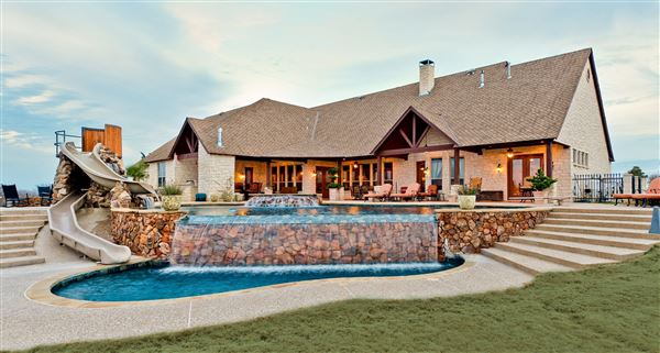 Exceptional cattle ranch with luxury home texas luxury Luxury ranch texas