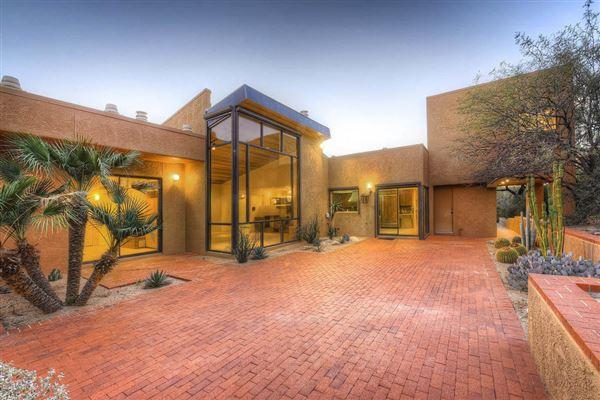 CREATE A CONTEMPORARY MASTERPIECE IN TUCSON | Arizona Luxury Homes |  Mansions For Sale | Luxury Portfolio