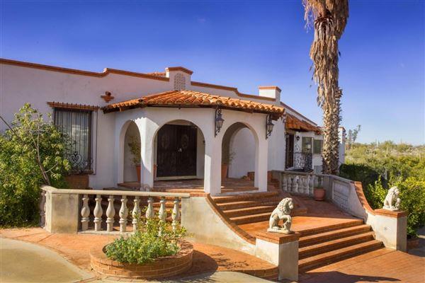 Beautiful spanish home in tucson arizona luxury homes for Spanish style homes for sale in dallas tx