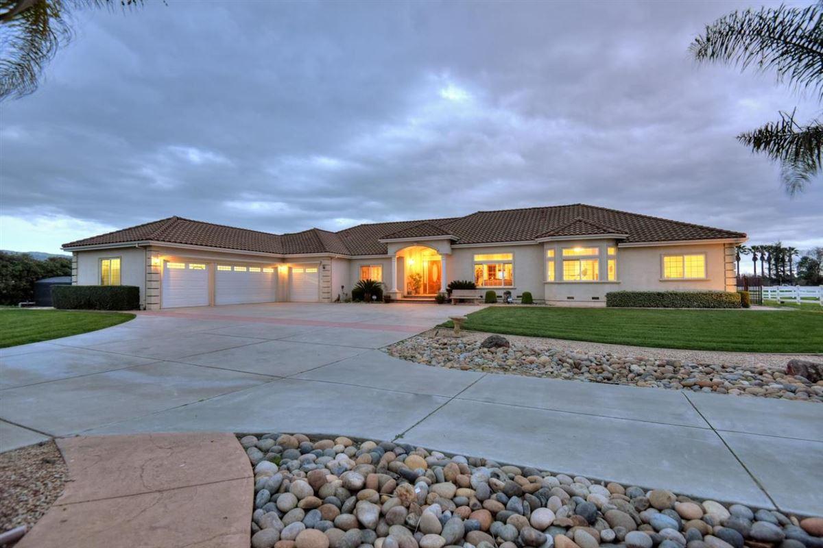 1330 Rucker, Gilroy, CA - USA (photo 2)