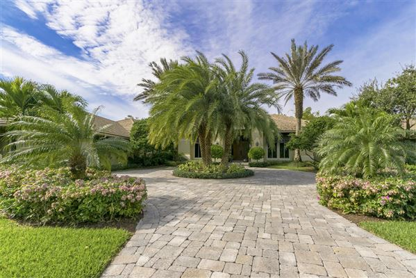 Magnificent Palm Beach Gardens Home | Florida Luxury Homes