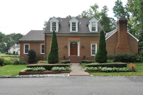 Classic brick home in linkhorn bay virginia luxury homes for Classic homes va