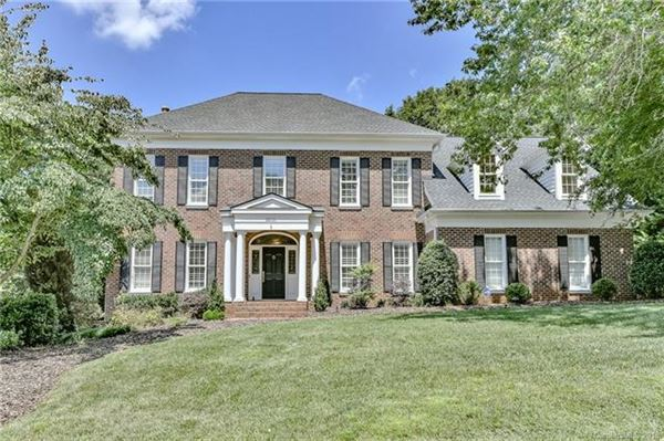 GORGEOUS UPDATED HOME IN CHARLOTTE | North Carolina Luxury Homes | Mansions  For Sale | Luxury Portfolio