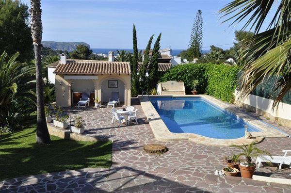 Exceptional TRADITIONAL SPANISH STYLE VILLA | Spain Luxury Homes | Mansions For Sale |  Luxury Portfolio