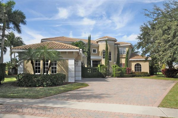 an impressive imperial castle style home  florida luxury homes, Luxury Homes