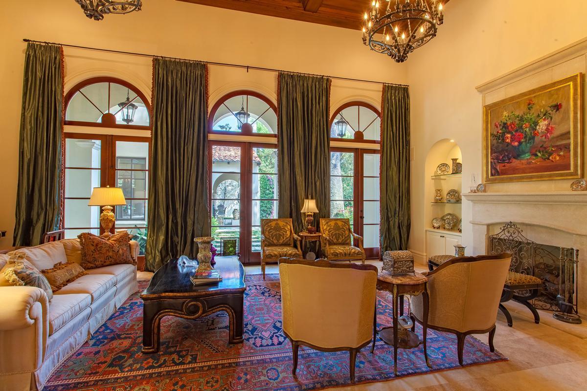 Elegant mediterranean estate florida luxury homes for Elegant mediterranean homes