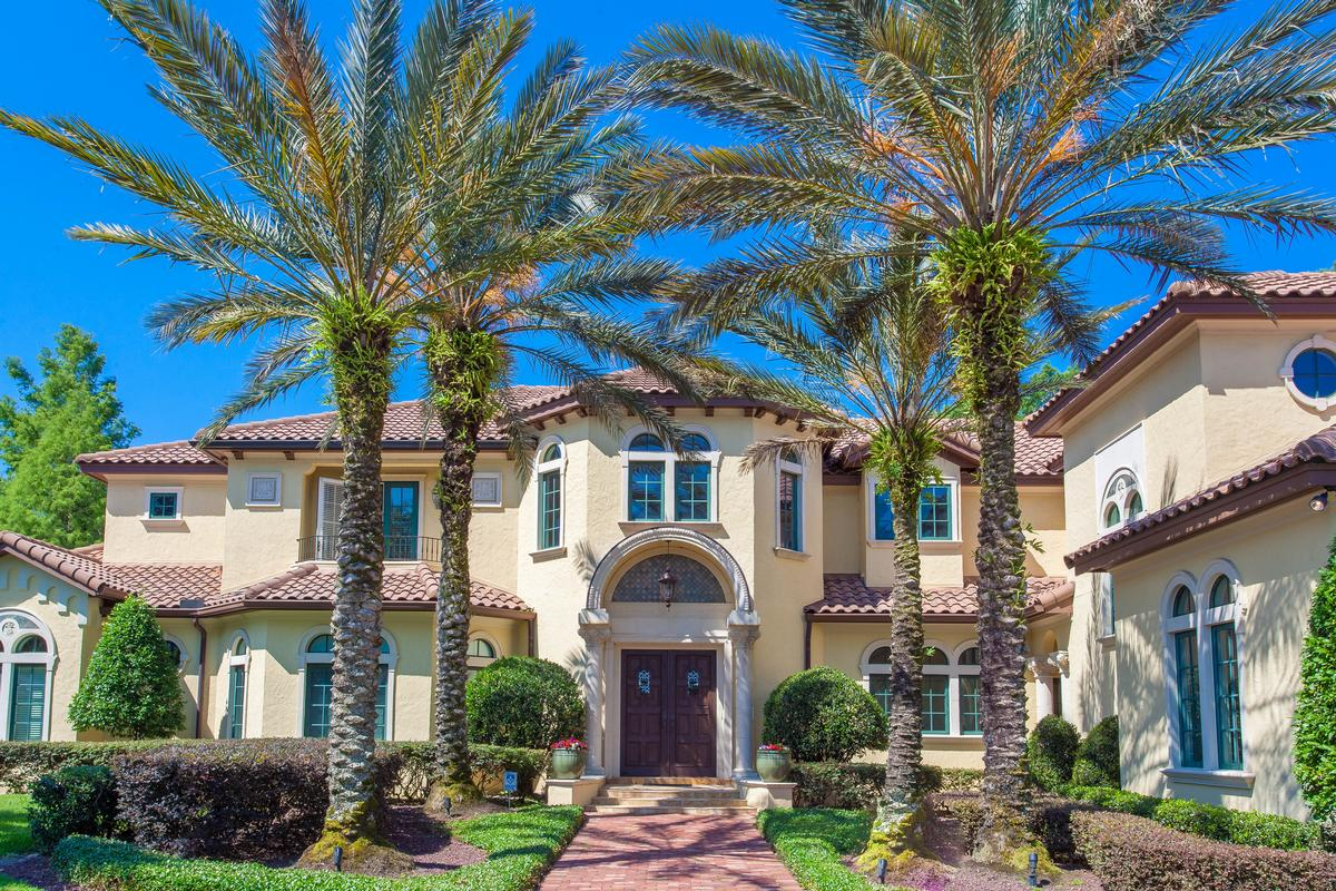 Elegant mediterranean on the chain of lakes florida for Elegant mediterranean homes