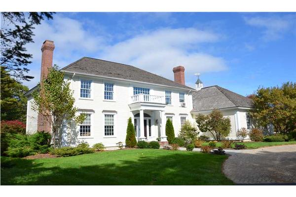 stately and elegant colonial maine luxury homes
