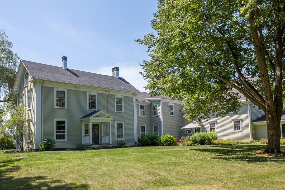 lovely yarmouth farmhouse maine luxury homes mansions