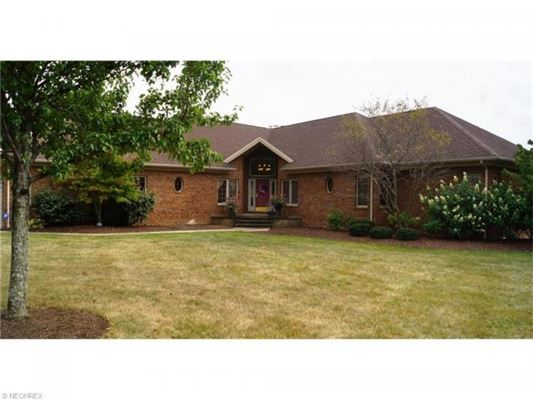 Sprawling Brick Ranch Home On 160 Acres Ohio Luxury