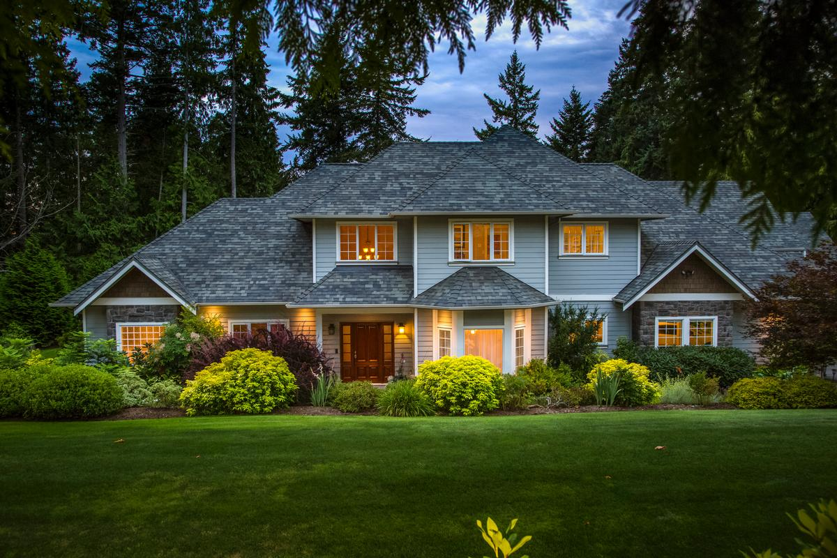 Perfect custom family home british columbia luxury homes for Home builders victoria