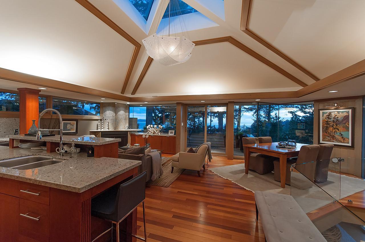 WEST COAST ARCHITECTDESIGNED VIEW British Columbia Luxury Homes - Architect designed homes for sale