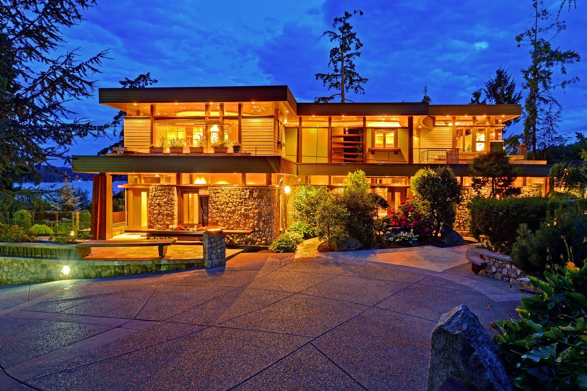 Victoria luxury homes and victoria luxury real estate for Upscale homes