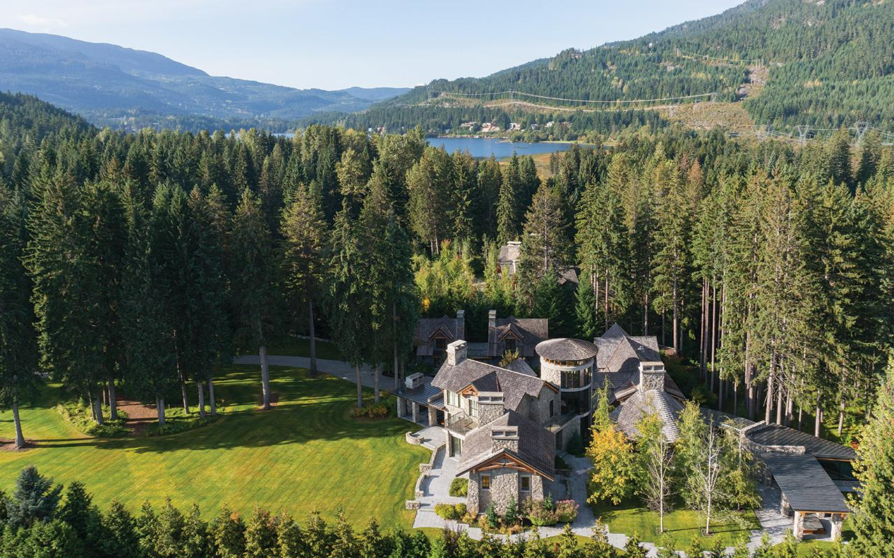 Exceptional Private Estate On Over 5 Acres