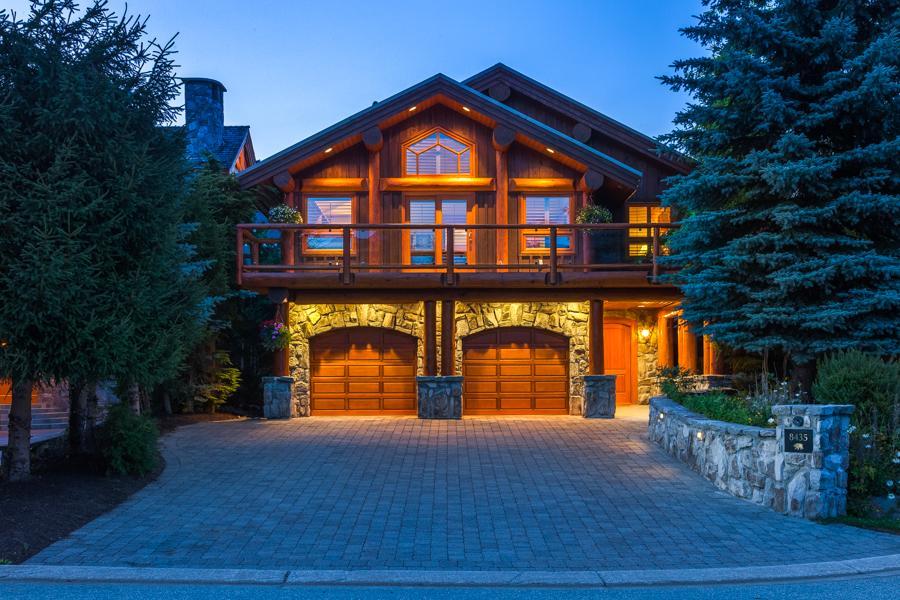 Lakeside Mountain Hideaway British Columbia Luxury Homes