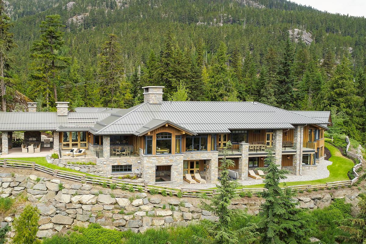 MOUNTAIN OASIS IN WHISTLER | British Columbia Luxury Homes | Mansions For  Sale | Luxury Portfolio