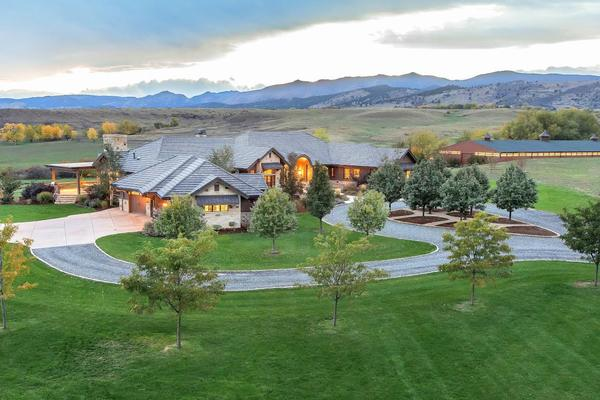 Longmont luxury homes and longmont luxury real estate for Colorado country homes