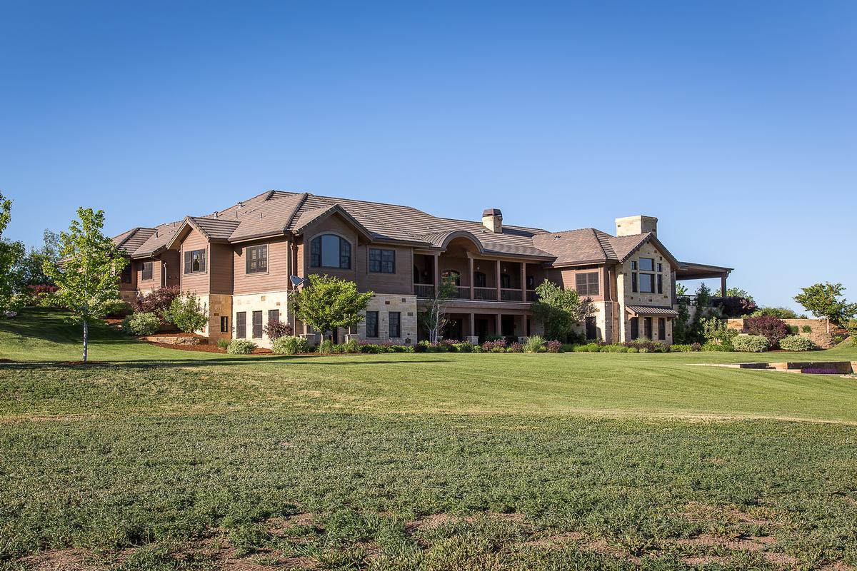 Elegant custom home on 35 acre parcel colorado luxury for Elegant luxury homes