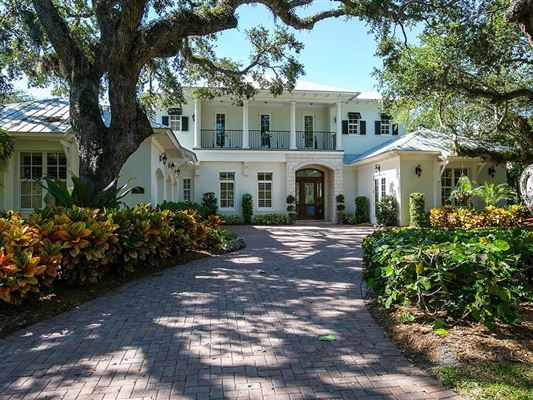 Luxury homes for sale & CANAL FRONT HOME SURROUNDED BY CANOPY OAKS | Florida Luxury Homes ...