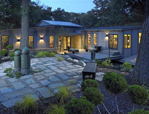 Mid century modern tranquility wisconsin luxury homes for Contemporary home builders wisconsin