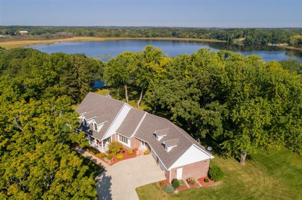 Wisconsin Luxury Homes And Wisconsin Luxury Real Estate Property - Luxury homes in wisconsin