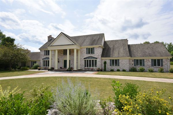 RIVER HILLS EXECUTIVE HOME Wisconsin Luxury Homes Mansions For - Luxury homes in wisconsin