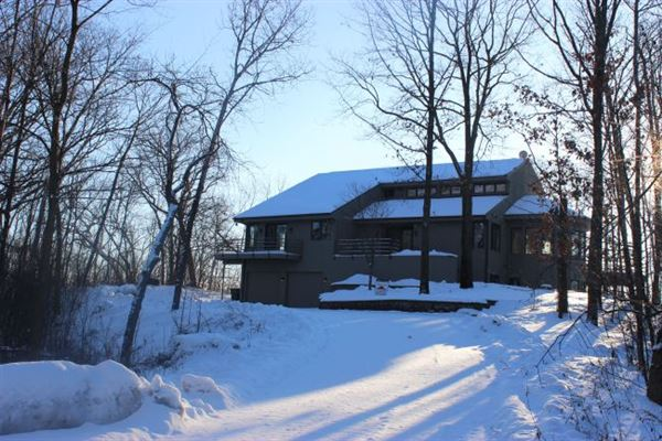 Stunning contemporary lake beulah home wisconsin luxury for Contemporary home builders wisconsin