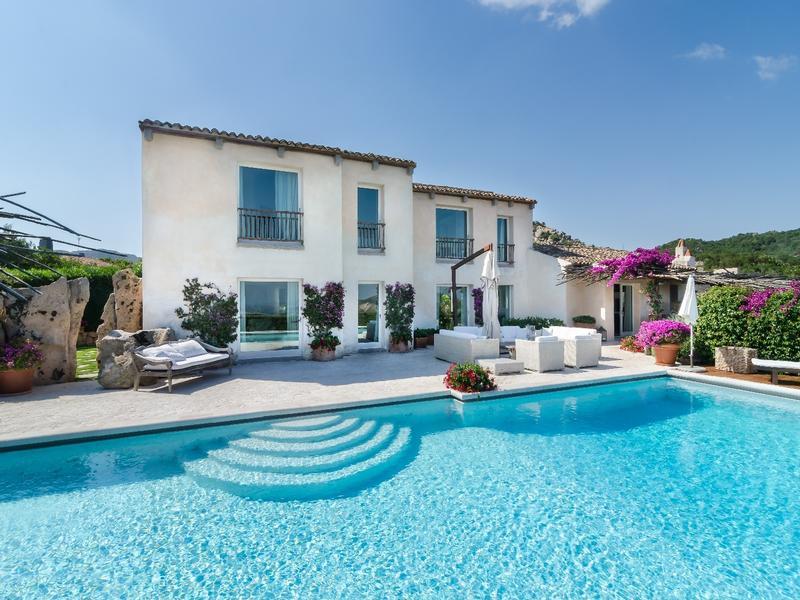 Villa sa sposa in sardinia italy italy luxury homes for Luxury italian real estate