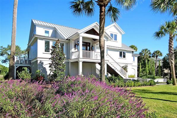 Prestigious waterway island home luxury portfolio for Carolina island house cost to build