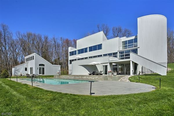 Distinguished mid century modern home new jersey luxury for Contemporary houses for sale in nj