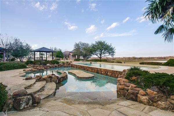 Chateau montclair texas luxury homes mansions for sale for David sanders home designs