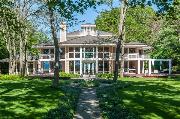 ultimate lakefront masterpiece michigan luxury homes