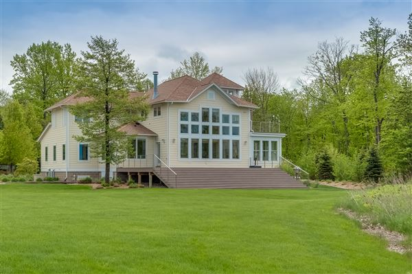 luxurious lakefront michigan luxury homes mansions for