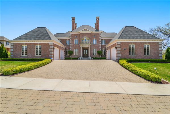 Northwest indiana luxury homes and northwest indiana for Castle style homes for sale