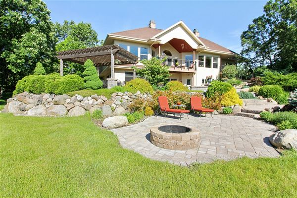 Spectacular european luxury country retreat wisconsin for European mansions for sale
