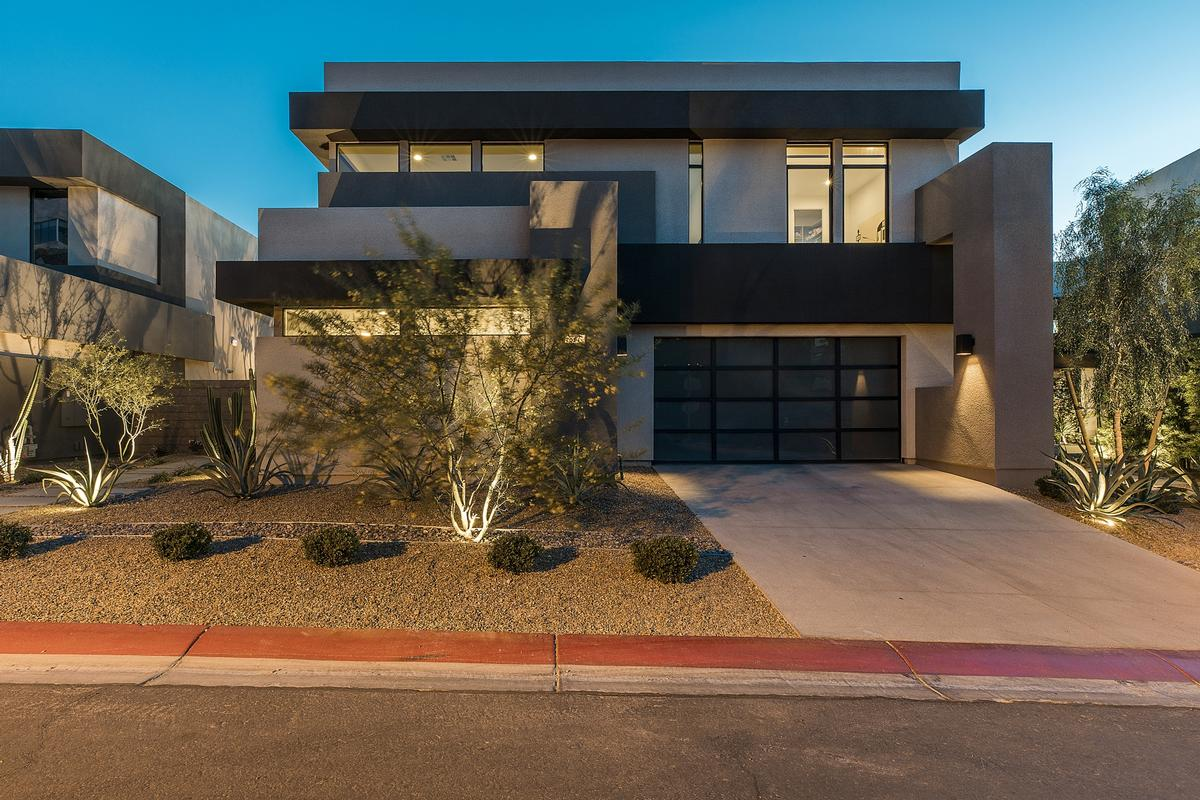 Blue heron las vegas modern nevada luxury homes for Mansions for sale las vegas