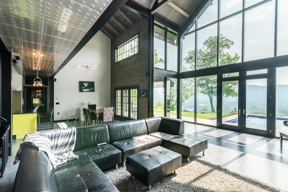 Magificient modern industrial vermont luxury homes for Industrial modern homes for sale