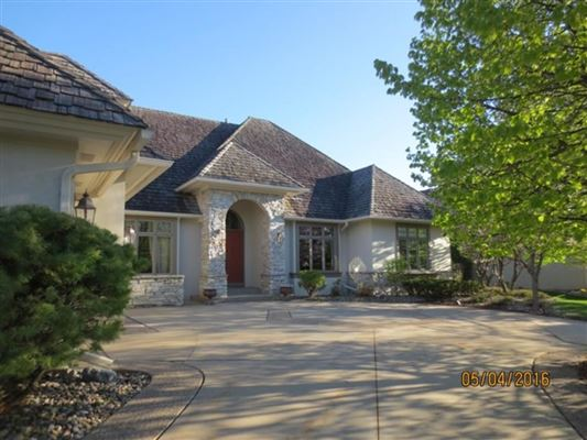 Stunning rambler on the fairway minnesota luxury homes for Rambler homes for sale