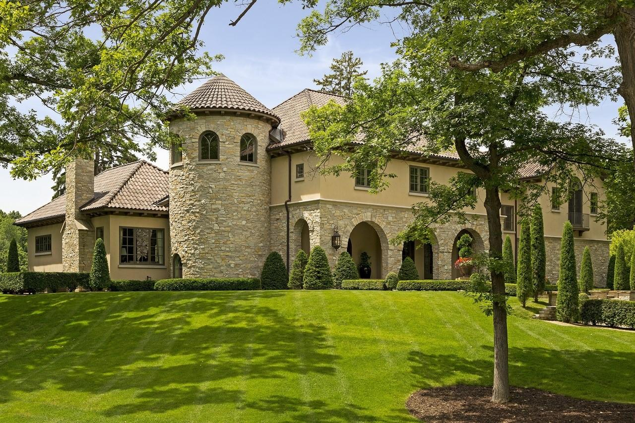 Minnesota luxury homes and minnesota luxury real estate for Minnesota mansions for sale