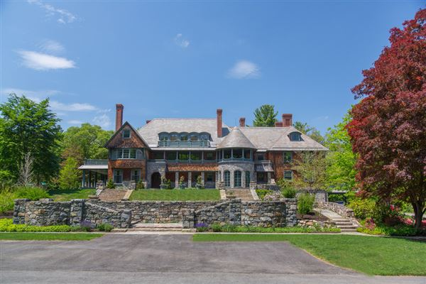 Spectacular Estate In A Park Like Setting Massachusetts