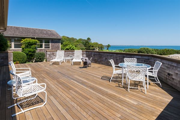 Charming woods hole contemporary massachusetts luxury for Contemporary homes for sale in ma