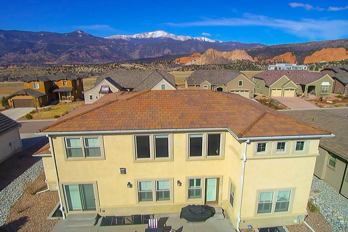 VIEWS OF PIKES PEAK AND GARDEN OF THE GODS   Colorado Luxury Homes ...