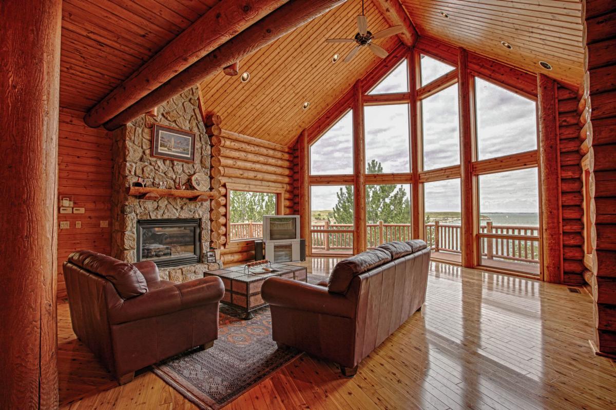 Luxury Log Home At Lake McConaughy